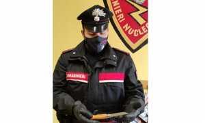 carabinieri coltello mascherina