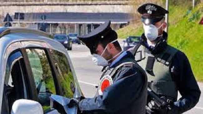 carabinieri mascherina tris